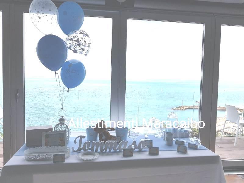 Decorazione battesimo Allestimenti e palloncini Sweet table addobbo tavolo torta dolci cerimonie elio centrotavola scritta festa Marche Ancona Macerata
