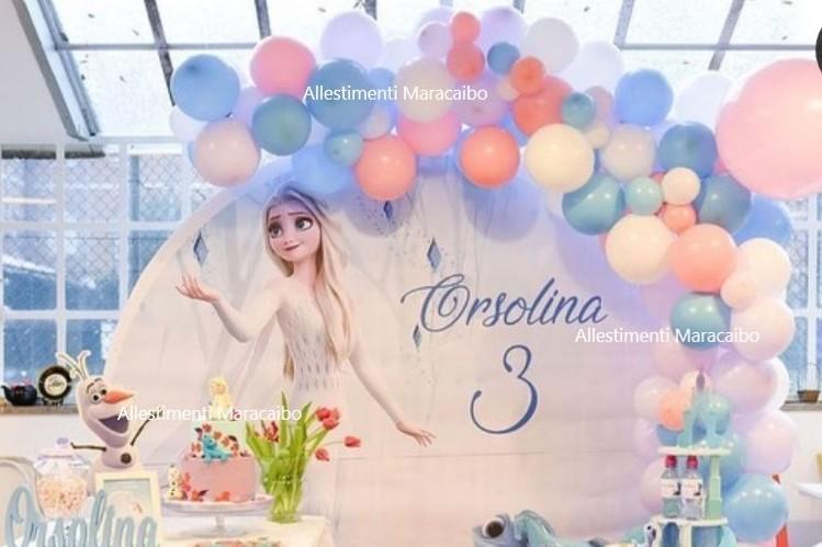 Festa a tema Frozen allestimento palloncini addobbo elsa anna principessa ghiacci elio stampa compleanno decori