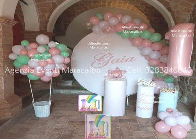 Allestimenti completi per primo compleanno battesimi archi stampe personalizzate palloncini decorazioni sweet table Marche Umbria Camerino